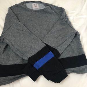 Fabletics crop sweatshirt. (M)